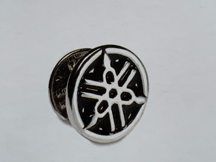 Yamaha Badge PIN Top!